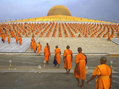 UNA TORTURA EN NARANJA Y AZUL - Página 4 Meditatciia_obedineniia_svetlykh_sil_1
